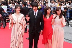 """เต็มอิ่มทุกรอยยิ้ม สนุก ครบทุกอรรถรส """"พีช พชร"""" พร้อม """"วงสเวทซิกทีนส์-เรียวตะ-คัทจัง เดอะเฟซ"""" ร่วมเดินพรมแดงงานเทศกาลภาพยนตร์นานาชาติโอกินาว่า 2019 ประเทศญี่ปุ่น"""