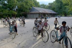 อากาศร้อนจัด กัมพูชาประกาศลดชั่วโมงเรียนหวั่นครู-เด็กล้มป่วย