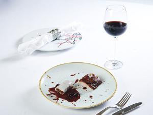 """เพิ่มอรรถรสให้มื้อค่ำ ดื่มด่ำกับโปโมชั่นสุดพิเศษ """"ไวน์ ดินเนอร์"""" ที่ """"พาโกด้า ไชนีส เรสเตอรองท์"""" โรงแรม แบงค็อก แมริออท มาร์คีส์ ควีนส์ปาร์ค"""