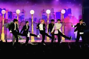 (ชมภาพ) BTS ประกาศความยิ่งใหญ่คว้าสุดยอดศิลปินกลุ่มแห่งปี Billboard Music Awards