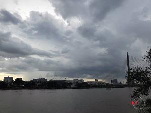 อุตุฯ เตือนพายุฤดูร้อน เหนือ-อีสาน-ตะวันออก ฝนฟ้าคะนอง ลมแรง ลูกเห็บตก