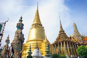 วัดพระศรีรัตนศาสดารามเป็นสถานที่ประกอบพระราชพิธีและรัฐพิธีทางพระพุทธศาสนา รวมถึงพระราชพิธีบรมราชาภิเษก