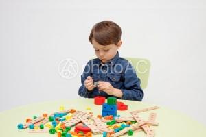 """""""ของเล่นเด็ก"""" ใครว่าไม่สำคัญ/ดร.สุพาพร เทพยสุวรรณ"""