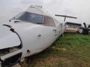 ภาพชุด--สายการบินพิมานบังกลาเทศลื่นไถลออกนอกรันเวย์ในย่างกุ้ง เจ็บอย่างน้อย 17 คน