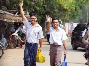 ผู้สังเกตการณ์มองพม่าปล่อยตัวนักข่าวช่วยกู้หน้ารัฐบาลซูจีก่อนเลือกตั้งปีหน้า