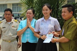 """""""น้องน้ำผึ้ง"""" เฮได้สัญชาติไทยตามน้องพลอย แถมสอบติดเทคนิคการแพทย์ มช.แล้ว"""