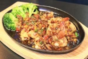 """""""ภัตตาคารแกรนด์พาเลซ"""" เลิศรสอาหารจีนกวางตุ้งต้นตำรับ อิ่มจัดหนักสำราญท้อง"""