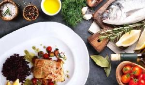 """หลากหลายอาหารจานปลาชวนลิ้มลอง """"แฟนทาสติก ฟิช ดิช"""" ที่ห้องอาหารเรลเวย์"""