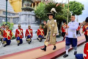 ในหลวงรัชกาลที่ ๑๐ พระราชทานเลี้ยงแก่ผู้ปฏิบัติงานพระราชพิธีบรมราชาภิเษก พุทธศักราช 2562
