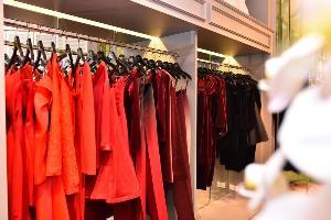 """""""ริต้า เช็ง"""" สาวชาวจีน นำ 30 แบรนด์เสื้อผ้าไทยขายใน 'เถาเป่า โกลบอล' รวยอื้อซ่า"""