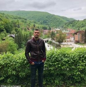เดยัน ลอฟเรน กลับบ้านเกิดบอสเนียฯ