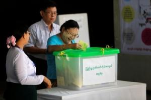ปธน.พม่ากำชับ กกต.เตรียมงานจัดการเลือกตั้งปีหน้าให้เสรีและเป็นธรรม