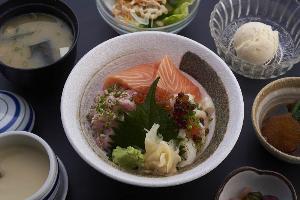 รสชาติอาหารญี่ปุ่นขนานแท้ที่ โฮว ยู (Hou Yuu)
