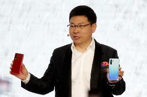 """Huawei เล็งขายสมาร์ทโฟน """"ระบบปฏิบัติการเวอร์ชันสากล"""" ต้นปีหน้า"""