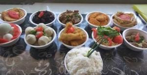 อาหารเซ่นไหว้บรรพชน ไม่ควรเก็บไว้นานวัน ขอบคุณภาพจาก http://m.fztvapp.zohi.tv/p/18879.html