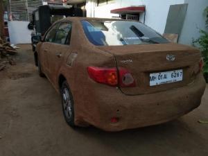 ฮือฮา!นวัตกรรมใหม่ อินเดียใช้'ขี้วัว'โป๊ะรถรอบคันรับมืออากาศร้อนระอุ