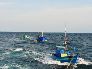 จับอีกเรือประมงเวียดนามรุกล้ำทำประมงในเขตน่านน้ำไทย