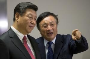 ประธานาธิบดี สี จิ้นผิง ของจีน และ เหริน เจิ้งเฟย ผู้ก่อตั้งและประธานบริหารหัวเว่ย (แฟ้มภาพ)