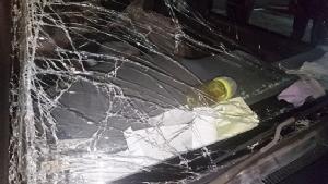 แก้วน้ำยอดฮิตร่วงติดใต้เบรคเบนซ์ ชนรถเสียหาย 4 คันเสียชีวิต 1 ราย