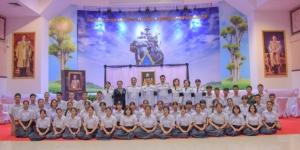 """ชาวบุรีรัมย์และนักเรียนทุนมูลนิธิเปรมฯ ร่วมลงนามแสดงความอาลัยแด่ """"พล.อ.เปรม"""""""