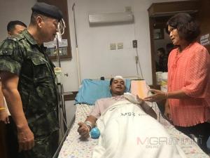แม่ทัพ 4 ย้ำชัดจับมือระเบิดตลาดนัดบ่อทองได้แน่ ขณะเยี่ยมครอบครัวเหยื่อเหตุระเบิด