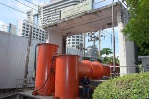 กทม.เร่งวางระบบระบายน้ำ-ปรับสะพานข้ามแยกอโศกเริ่มเปิดใช้ 1 ก.ค.