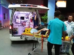 สาวซิ่งเก๋งหลบงูพุ่งชนประสานงาบัสรับส่งพนักงานดับสยอง เจ็บอีกเพียบ