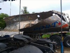 บึ้มสนั่น ! รถบรรทุกน้ำมันระเบิดขณะจอดซ่อมบำรุงคนงานเจ็บ 1 ราย