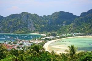 เกาะพีพี (จุดชมวิวพีพีดอน) เกาะยอดนิยมอันดับ 1 ปี 2561 ของนักท่องเที่ยวต่างชาติ