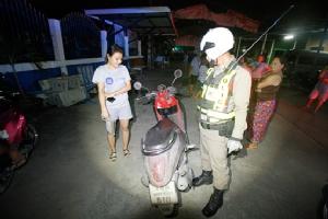 กรรมตามทันโจรลักรถจักรยานยนต์ขี่ไปชนรถชาวบ้านบาดเจ็บ