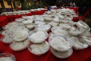 'ฮุนเซน-สม รังสี' เปิดศึกขนมจีนการเมือง ชวนชาวเขมรล้อมวงกินอ้างเพื่อความสามัคคี