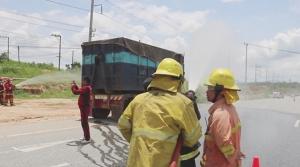 ระทึก!! สารเคมีไหม้บนรถบรรทุกขณะนำไปทำลายที่สระแก้ว