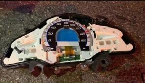 หนุ่มเทคโนฯ บิดมอ'ไซค์ 140 เสยท้ายรถบรรทุกดินดับสยอง