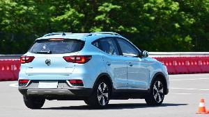 ก็ลองดิครับ MG ZS EV รถไฟฟ้าค่าตัว 1,190,000 บาท