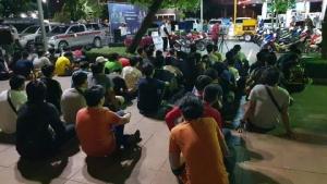 รวบแอดมินเพจโพสต์ชวนแข่งรถพร้อมเด็กแว้นท่อดังป่วนเมืองรวม 77 ราย
