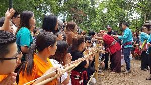 นักท่องเที่ยว-ชาวเชียงใหม่แห่ร่วมพิธีเลี้ยงดงบวงสรวงผีปู่แสะย่าแสะ สืบตำนานยักษ์ผู้พิทักษ์ป่าดอยสุเทพ
