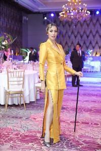 """โว้ก ประเทศไทยจัดงาน """"Vogue Gala 2019"""" สนับสนุนดีไซเนอร์ไทย เหล่าเซเลบริตี้ร่วมประมูลผลงานมาสเตอร์พีซจาก 15 แบรนด์ดัง ระดมยอดเงินรวม 1.7 ล้านบาท"""
