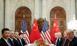 (ภาพจากแฟ้มถ่ายเมื่อ 1 ธ.ค. 2018) ประธานาธิบดีสี จิ้นผิง นำคณะฝ่ายจีน เจรจากับ ประธานาธิบดีโดนัลด์ ทรัมป์ และคณะฝ่ายสหรัฐฯ ในช่วงที่ทั้งสองไปร่วมการประชุมซัมมิตกลุ่มจี 20 ที่อาร์เจนตินา