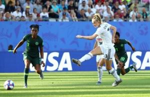 """""""อินทรีสาว"""" ดาหน้าถล่มไนจีเรีย 3-0 เข้า 8 ทีมบอลโลก"""
