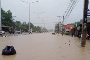 น้ำท่วมเกาะลันตา บ้านเรือนกว่า 100 หลังได้รับผลกระทบ