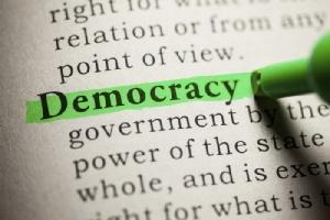 ผลสำรวจชี้ประชากรครึ่งโลกไม่เชื่อในความเป็น 'ประชาธิปไตย' ของชาติตัวเอง