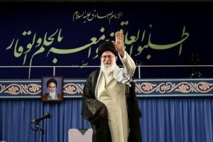รัสเซียสับสหรัฐฯบุ่มบ่ามคว่ำบาตรผู้นำสูงสุดอิหร่าน กร้าวยืนข้างเตหะราน