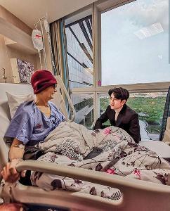 """""""โทนี่"""" เบรกความว้าวุ่นพ่อป่วยมะเร็งระยะสุดท้าย พา """"แก้ว"""" ฉลองวันเกิดในป่าสองต่อสอง จิตใจสงบ"""