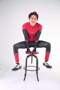 "Tom Holland พระเอก Spider-man ออกปากชม ชุดไอ้แมงมุม ""กอล์ฟ พิชญะ"" เจ๋ง!!!!"