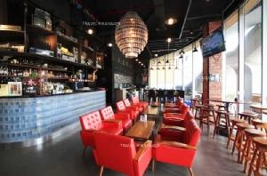 บรรยากาศภายในร้าน Retro Bar & Café
