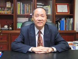 นายยุทธ ชินสุภัคกุล ประธานกรรมการ บริษัท โรงพิมพ์ตะวันออก จำกัด (มหาชน) หรือ EPCO