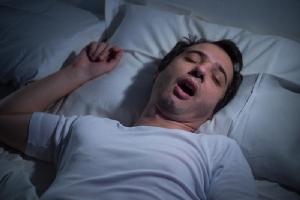 นอนกรน...อาจกลายเป็นเรื่องใหญ่ ถ้าหยุดหายใจขณะหลับ / พลโทนายแพทย์ สมศักดิ์ เถกิงเกียรติ
