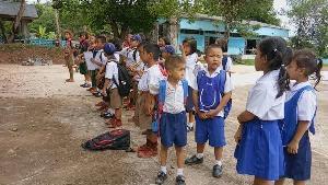 น่าเศร้า! ชุมชนกะเหรี่ยงวังชิ้น-เมืองแพร่ ต้องระดมเงินจ้างครู-ซ่อมอาคารกันเอง