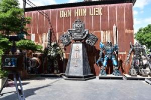"""""""บ้านหุ่นเหล็ก"""" สุดทึ่งฝีมือคนไทย สร้างสรรค์ยอดมนุษย์ในดวงใจจากเศษเหล็ก"""
