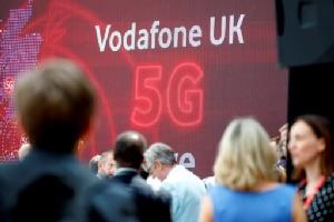 """""""โวดาโฟน"""" ไม่สนสหรัฐฯ เปิดบริการ 5G โดยใช้อุปกรณ์ """"หัวเว่ย"""""""